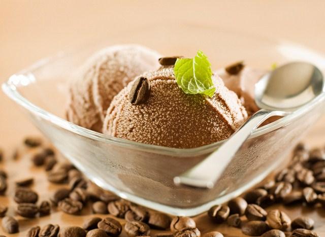 Những viên kem cà phê tươi mát giúp bạn xua đuổi cái nắng nóng ngày hè